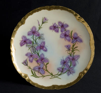 Plate with Fringed lily decoration; c 1920; 2012/0029