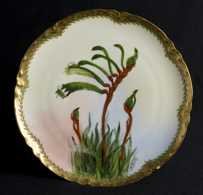 Plate with Kangaroo paw decoration; c 1920; 2012/0032